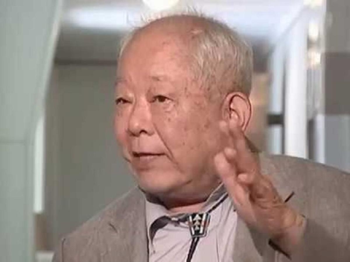 Masatoshi Koshiba.