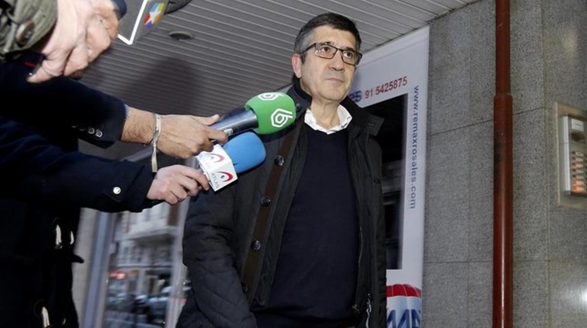 Patxi López, a su llegada al comité federal del PSOE, en Madrid,el pasado 27 de diciembre.
