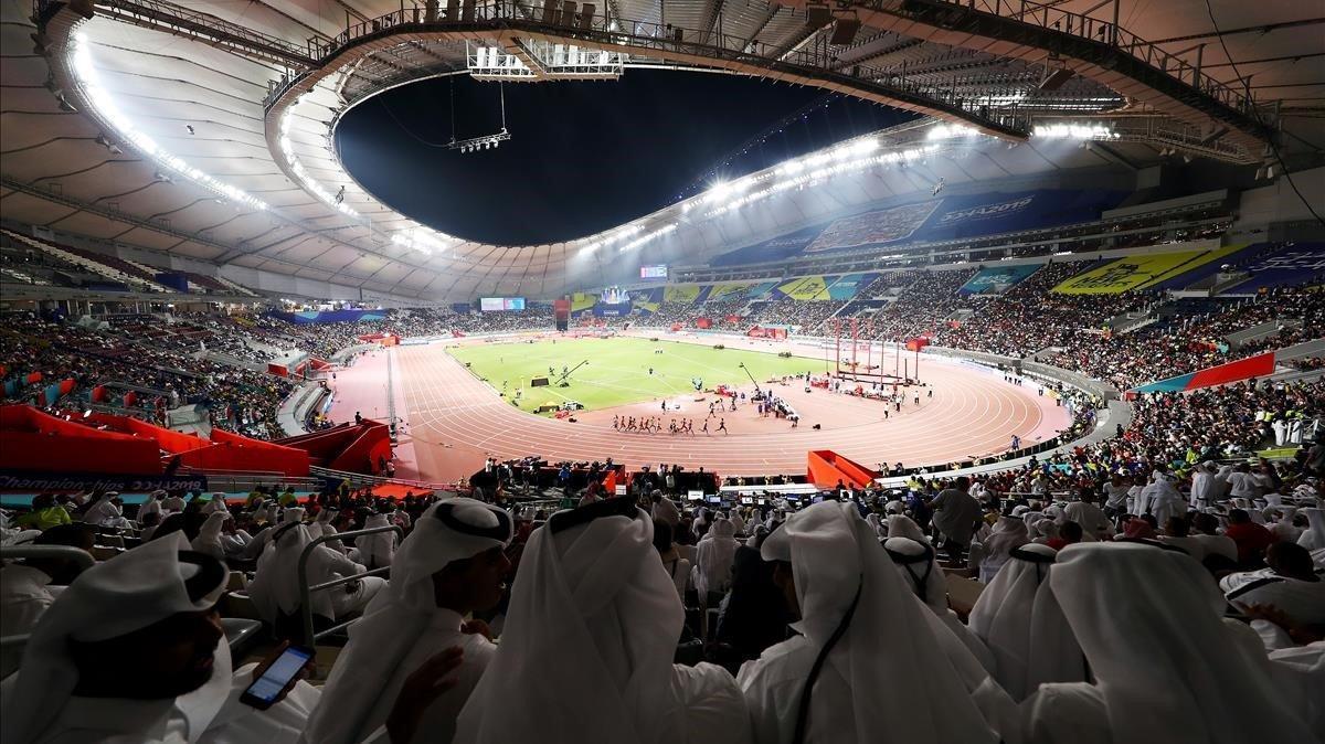 Vista general del estadio Khalifa durante la final de 1.500.