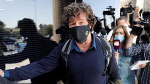 Nacho Palau, a su salida del juzgado de Pozuelo de Alarcón después de declarar. Miguel Bosé no se dejó ver.