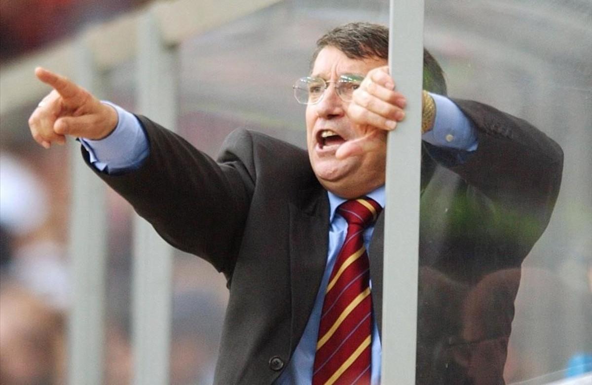 Graham Taylor, en 2002, cuando ejercía como entrenador del Aston Villa.
