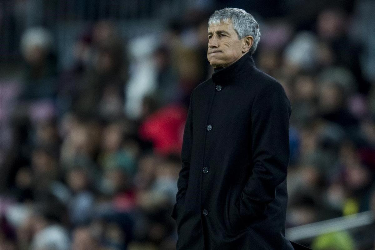 Setién, en su primer partido en el Camp Nou.
