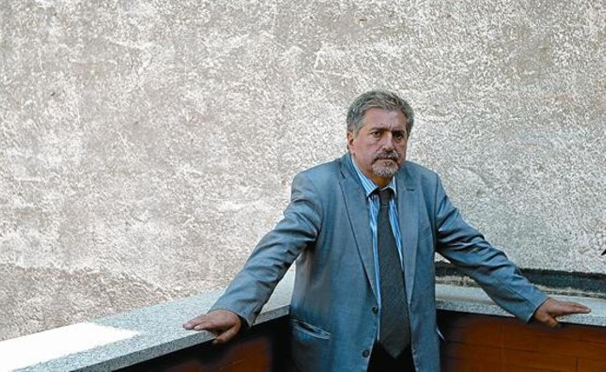 Polivalente 8 Jesús Eguiguren, en Madrid, donde ayer entregó una novela de amor inspirada en el poeta vasco Guillermo Indalecio Bizcarrondo.