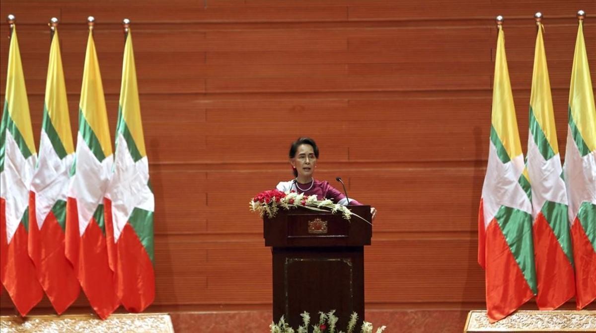 Aung San Suu Kyi durante su discurso en Naypyitaw.