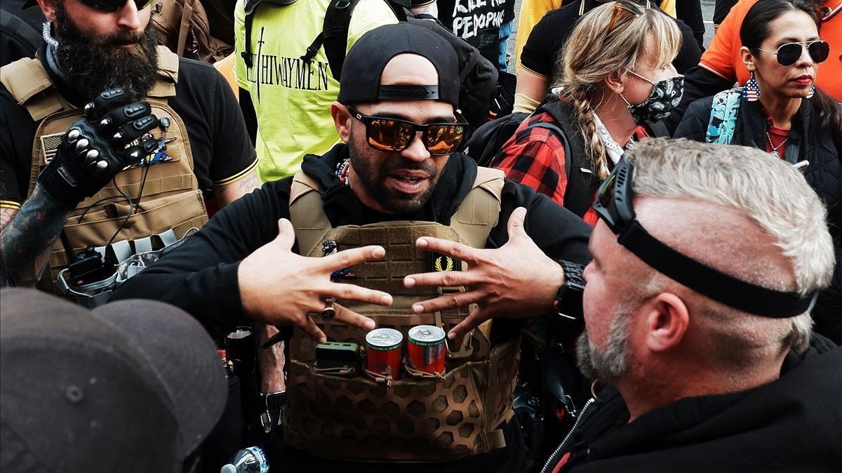 El líder de los Proud Boys, Enrique Tarrio, durante la manifestación del pasado 12 de diciembre en Washington.