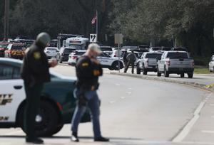 Moren dos agents de l'FBI i tres resulten ferits en un tiroteig a Florida