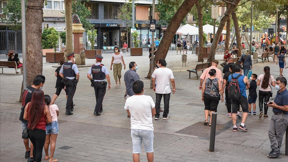 La plaza Espanyola de La Torrassa, en L'Hospitalet, esta tarde.