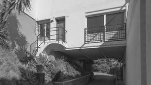 Uno de los rincones de las 'Cases blanques' de Montbau, construidas en la tercera y última fase del polígono.