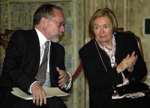 Maria Teresa Castells junto a su maridoRamón Recaldedurante el acto de entrega del Premio a la Convivencia.