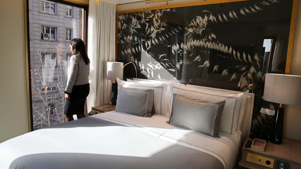 Catalunya creará una red de hoteles-refugio para turistas con coronavirus, como explica el director general de Turisme, Octavi Bono. En la foto, una habitación de hotel en Barcelona.