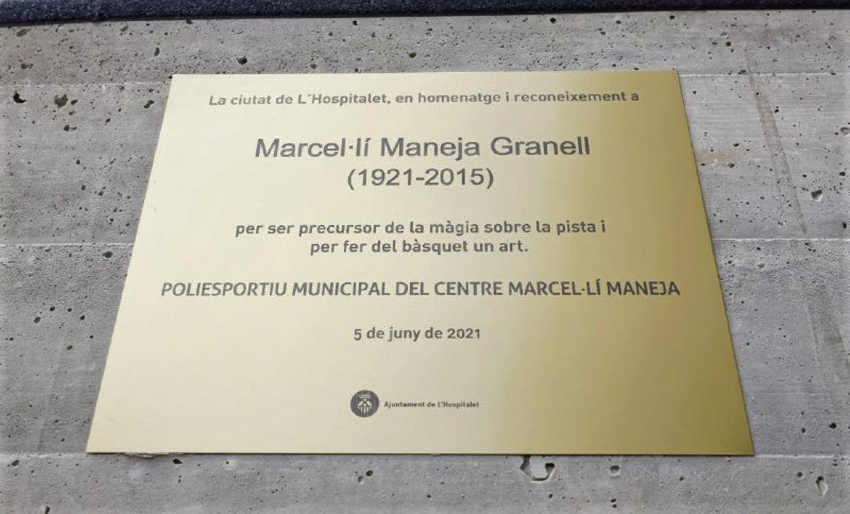 Placa en homenaje al deportista de L'Hospitalet Marcel·lí Maneja Granell.