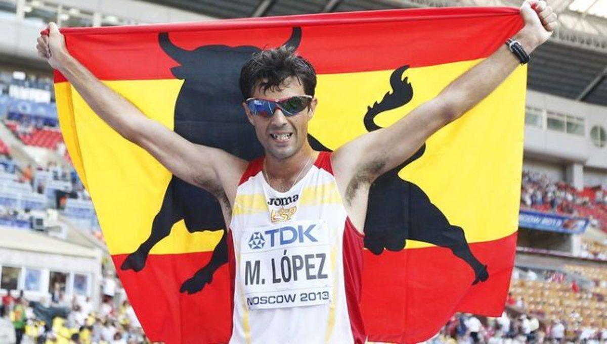 Miguel Ángel López celebra el bronce en los Mundiales del 2013, en Moscú.