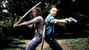 Andrew Lincoln y Danai Gurira, en una imagen de 'The walking dead'.