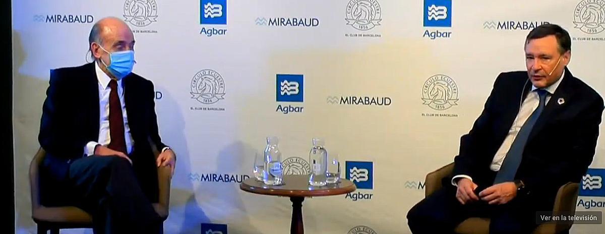 Ángel Simón, presidente de Agbar, derecha, y el abogado, Miquel Roca.