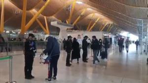Control policial en el aeropuerto de Madrid Barajas.