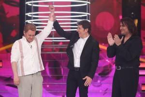 El ganador Germán Scasso, junto al presentador Manel Fuentes y el segundo clasificado, Manu Rodríguez.