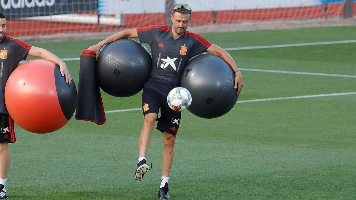 Luis Enrique, en un entrenamiento de la selección española en Las Rozas.