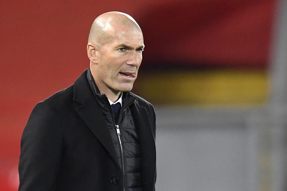 Zidane no aclareix el seu futur entre la baralla per la Lliga