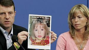 Gerry i Kate McCann, amb una foto de Madeleine, el 2007.