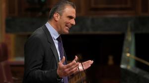 El diputado de Vox, Javier Ortega Smith, en una sesión de control al Gobierno en el Congreso este martes.