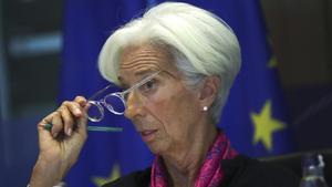 L'Eurocambra aplana el camí de Lagarde al BCE