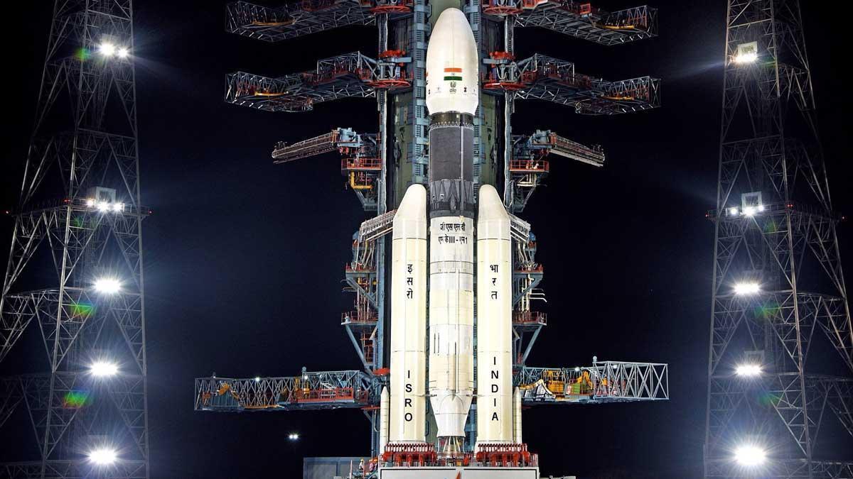 La India suspende su misión al inexplorado polo sur de la Luna.