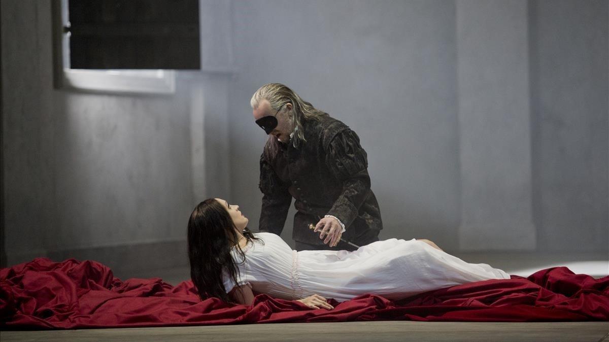 Un momento del montaje de 'Don Giovanni', de Mozart, con puesta en escena de Christopher Maltman que abrirá oficialmente la temporada del Liceu el próximo día 24.