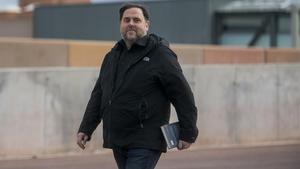 El líder de ERC, Oriol Junqueras, saliendo de la prisión de Lledoners para ir a trabajar a la universidad, el pasado 3 de marzo.
