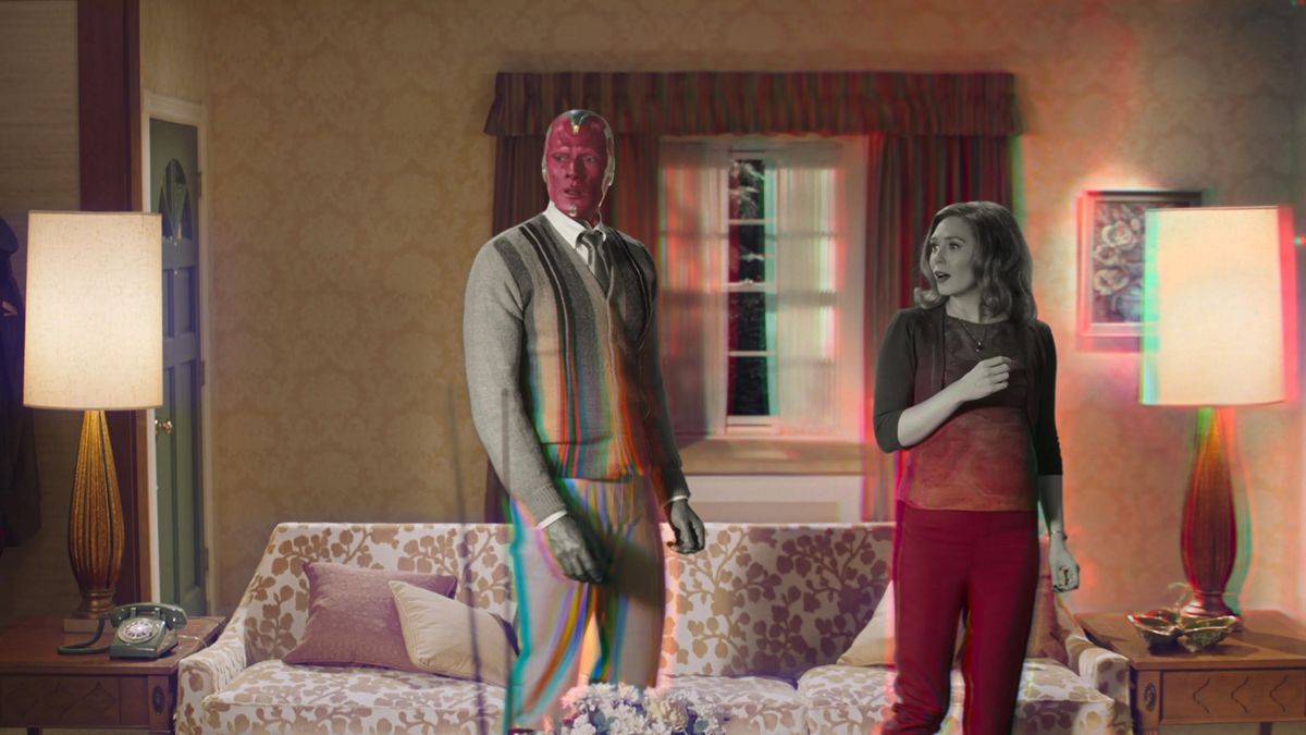 Paul Bettany y Elizabeth Olsen en el mundo cambiante de 'Bruja Escarlata y Visión'.