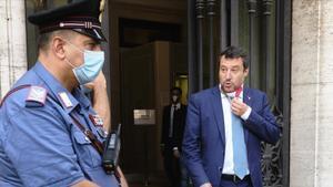 Salvini este jueves tras dejar el edificio del Senado.
