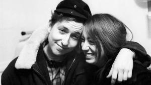 Bob Dylan, con la artista Suze Rotolo, con la que salió entre 1961 y 1964.