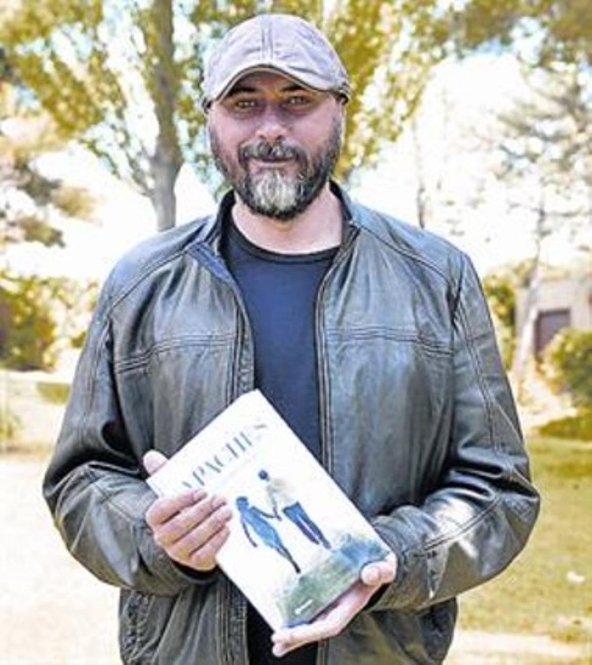 Miguel Sáez Carral, autor de 'Apaches'.