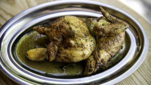 Cómo preparar un pollo a l'ast perfecto.