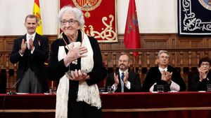 La poeta uruguaya Ida Vitale tras recibir el Premio de Literatura en Lengua Castellana Miguel de Cervantes
