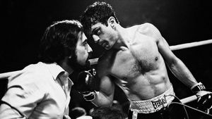 Martin Scorsese habla con Robert de Niro durante el rodaje de 'Toro salvaje'.