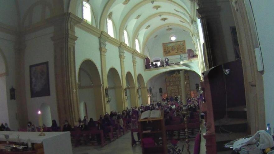 El PP critica al líder del PSOE en Murcia por asistir a un acto en una iglesia con 200 personas