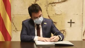 Pere Aragonès firma el decreto que deja sin efecto la convocatoria de elecciones del 14 de febrero.