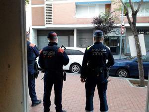 Imagen del operativo policial contra la venta de heroína en Barcelona.
