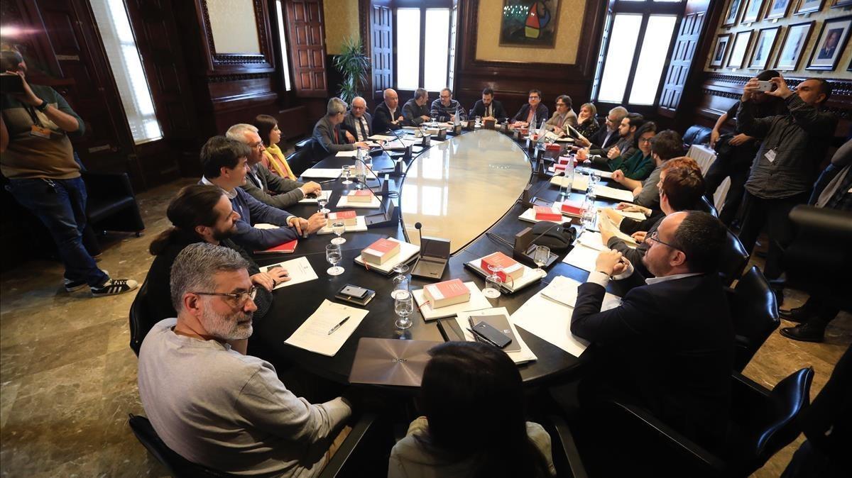 Reunión de la Junta de Portavocesdel Parlament, presidida por Roger Torrent.