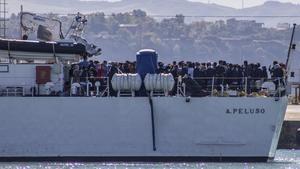 Roma enviarà militars a Sicília per frenar el caos migratori
