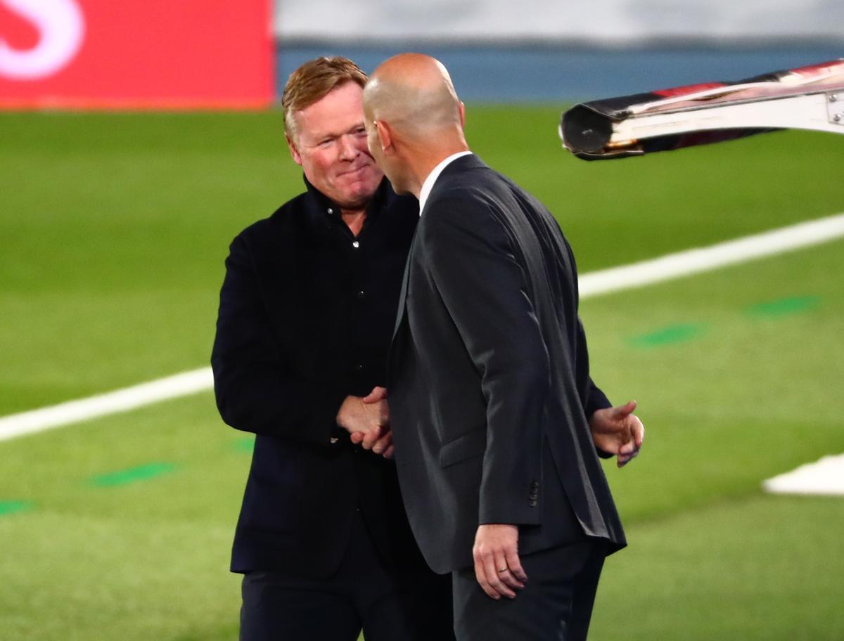 Koeman saluda a Zidane en Valdebebas.