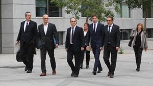 Siete 'exconsellers' se dirigen a laAudiencia Nacional, el pasado día 2.