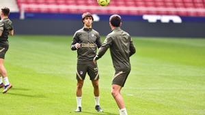 Joao Félix y Correa durante el último entrenamiento del Atlético de Madrid.