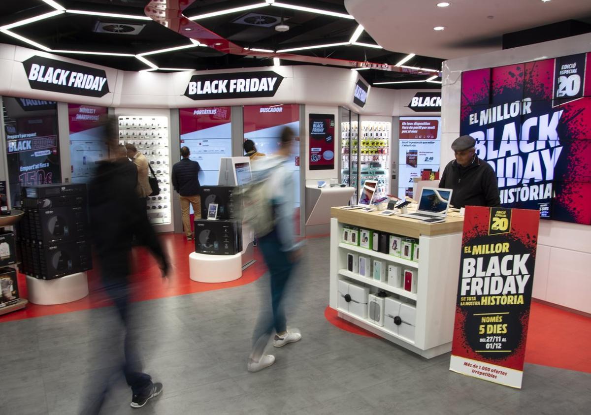 Un establecimiento de Mediamarkt en pleno Black Friday.