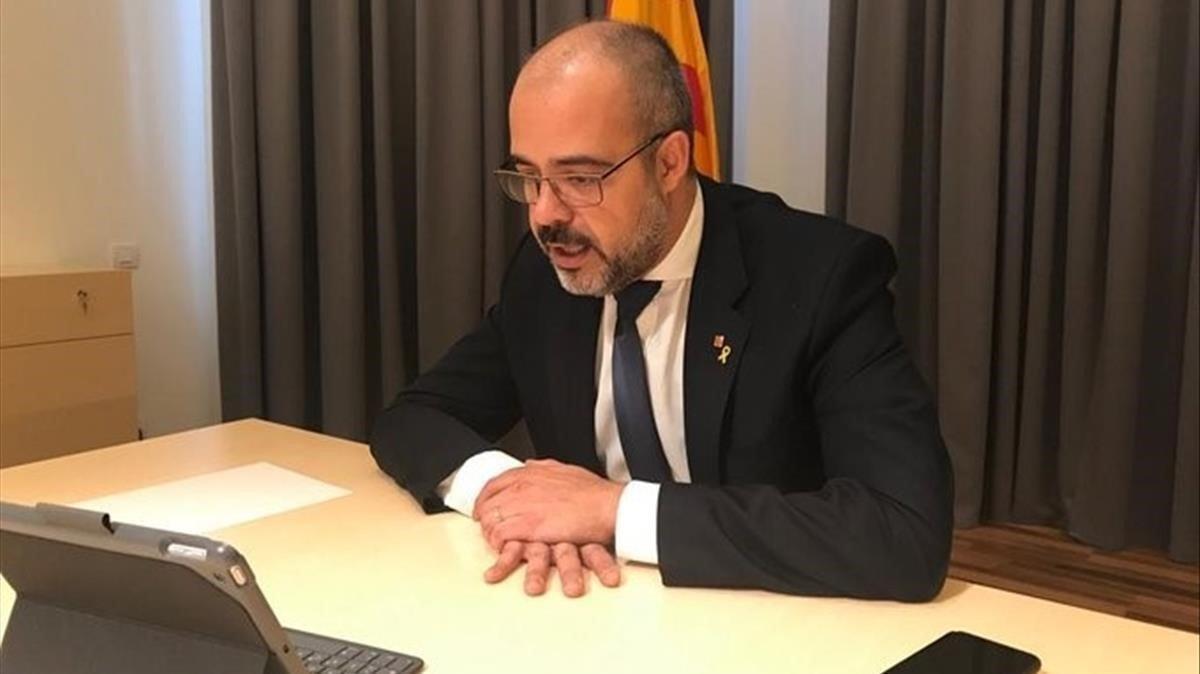 El 'conseller' Buch, en su despacho, el pasado 19 de marzo.