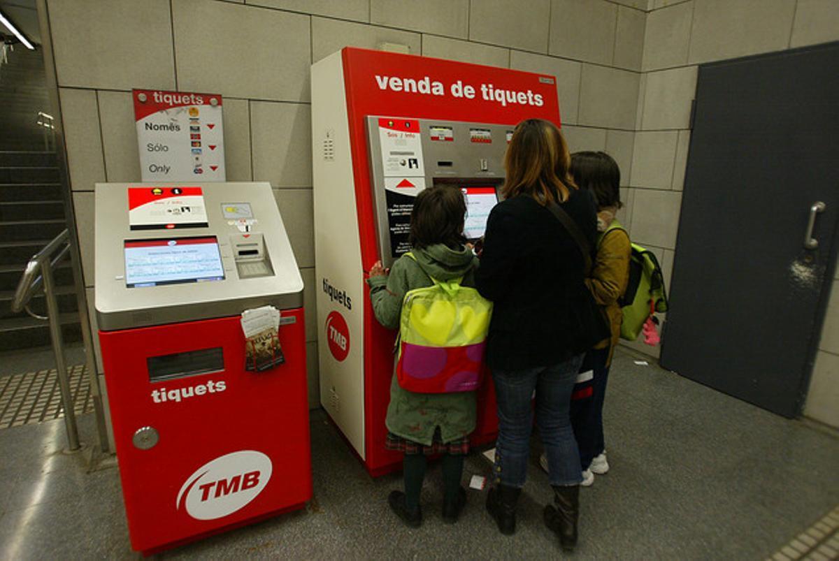 Máquina expendedora de billetes en el metro.