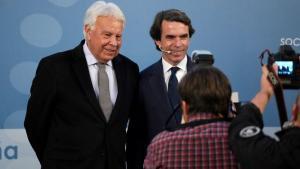Aznar creu que la taula de diàleg és «devastadora» i González la titlla de «performance»
