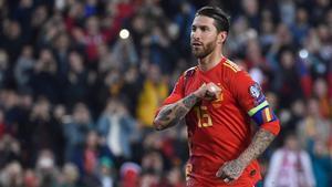 Sergio Ramos celebrando un gol con la selección española./ Jose Jordan.AFP