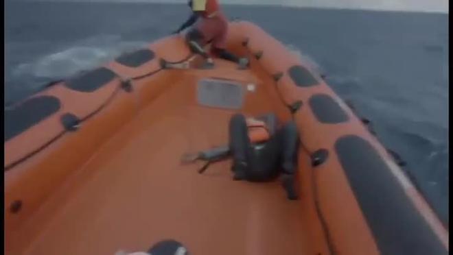 La reacción de la madre de un bebé fallecido en el naufragio en el Mediterráneo