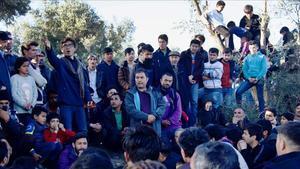 Reunión de refugiados en el campo de Moria, en la isla griega de Lesbos.